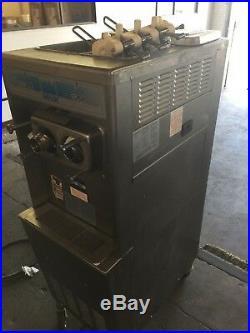 2003 Taylor 336 Soft Serve Frozen Yogurt Ice Cream Machine 1Ph, Air Cooled