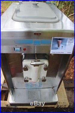 2008 Taylor 702-27 Soft Serve Frozen Yogurt Ice Cream Machine
