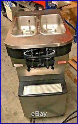 2010 Taylor C713-33 2 Flavor Twist Air Cooled Soft Serve Frozen Yogurt Ice Cream