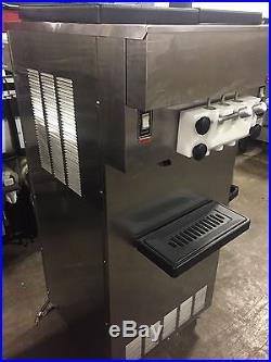 2011 SaniServ Twin Twist Single Phase Air Cooled Soft Serve Ice Cream Machine