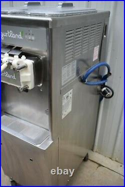 2011 Taylor 794-33 Soft Serve Ice Cream / Yogurt Water Cooled Machine