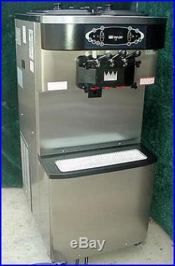 2011 Taylor C713-27 Soft Serve Ice Cream Yogurt Machine Twin Twist Air Cool NICE