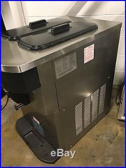 2012 Taylor C723-33 Twin Twist Soft Serve Frozen Yogurt Ice Cream Machine