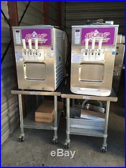 Carpigiani Uc-1131/g 2 Flavor Twist Soft Serve Ice Cream Frozen Yogurt Machine