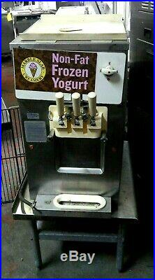 Codelite Counter Top soft serve ice cream freezer