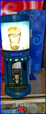 F'real Milkshake Smoothie frozen beverage drink blender mixer FRLB2 with warranty