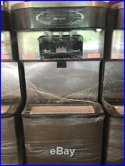 Like New! Taylor C713 water cooled soft serve Ice Cream and Yogurt machines