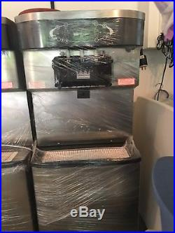 Like New! Taylor C713 water cooled soft serve machine
