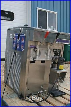 STOELTING sf144-38l SOFT SERVE ICE CREAM COUNTER TOP AIR COOLED