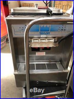 Soft Serve Ice Cream / Froyo Machine Taylor 161-27 Twin Twist Made in 2008