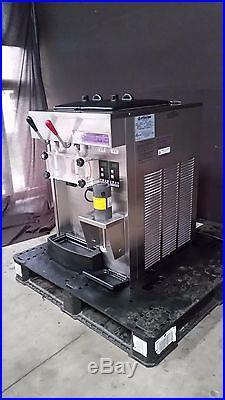Stoelting Futura SF144-381 Counter Top Ice Cream Smoothie Milkshake Machine