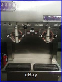 Stoelting u421 Dual Head Ice Cream and Yogurt Machine Single (1) Phase! U4