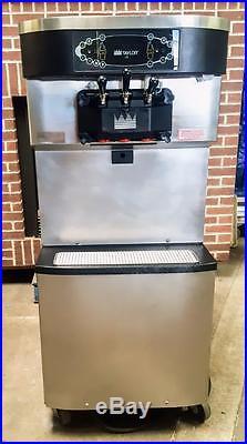 Taylor C712-33 Twin Twist Soft Serve Ice Cream/ Frozen Yogurt Machine
