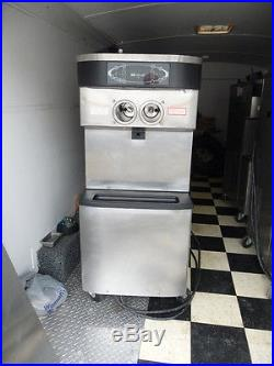 TAYLOR C713-33 FROZEN YOGURT MACHINE 3 PHASE WATER-COOLED SOFT SERVE