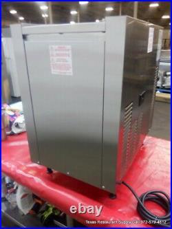 Taylor 152-12 Soft Serve Frozen Ice Cream Machine 115 volts Year 2017