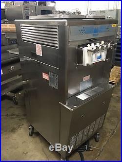 Taylor 339-27 Soft Serve Frozen Yogurt Ice Cream Machine Air Cooled. Works Great