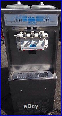 Taylor 794-33 Soft Serve Frozen Yogurt Ice Cream Machine water Cooled