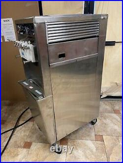 Taylor 794 Ice Cream Machine Water Cooled 3PH BROKEN FOR PARTS ONLY