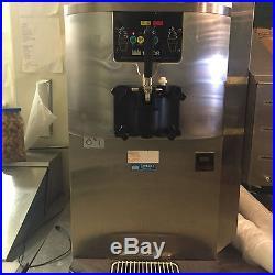Taylor C707-27 Soft Serve Counter Top Ice Cream Machine single Phase