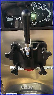 Taylor C709-27 Soft Serve Frozen Yogurt Ice Cream Machine 1-Phase Air Cooled