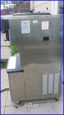 Taylor C713-27 soft serve frozen yogurt ice cream machine, 1 phase air cooled