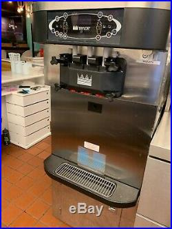 Taylor C723-33 3-phase Water Cooled Soft Serve Frozen Yogurt Ice Cream Machines
