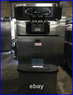 Taylor C723-33 Soft Serve Frozen Yogurt Ice Cream Machine AIR COOLED-3 Phase