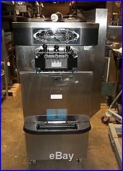 Taylor Co. C723-33 Soft Serve/Frozen Yogurt Machine