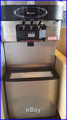 Taylor Crown C712-33 2014 Soft Serve Ice Cream and Frozen Yogurt Machine
