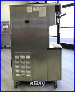 Taylor Soft Serve Frozen Yogurt Ice Cream Machine 2010 Single Phase, Air Coole